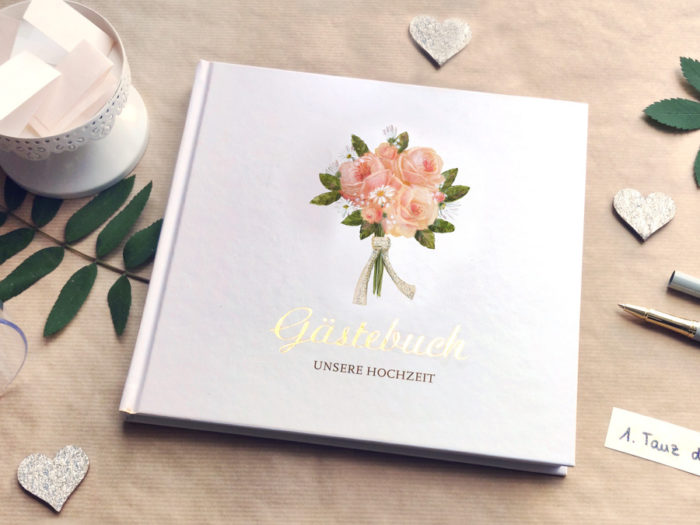 Gästebuch mit Illustration Silke Leffler für Blogpost 5 Ideen für dein Hochzeitsgästebuch vom Grätzverlag